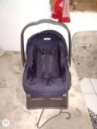 Vende se um bebê conforto semi novo