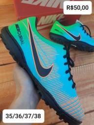 Chuteira society  Nike infanto juvenil