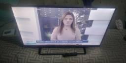 Tv Panasonic 40 polegadas NÃO É SMART