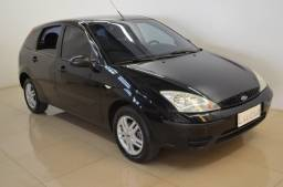 Focus Hatch 1.6 - completo - preto - ano 2007