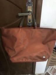 Bolsas femininas usadas