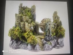 Castelo medieval com moinho