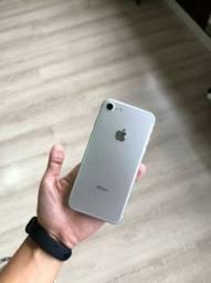 iPhone 7 GB 128