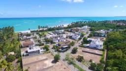 Casa com 4 suítes, salão gourmet, ambientes climatizados com vista para praia