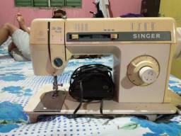 Máquina de costura Singer relíquia tudo funcionando