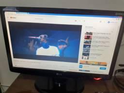 "Monitor LCD c/tela widescreen 21,5"" modelo W2243C"