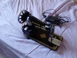 Título do anúncio: Vende-se máquina de costura