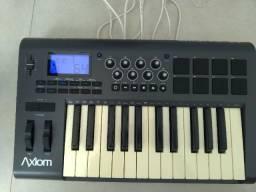 Controlador Axiom 25 - M-audio