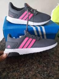 Tênis Adidas, feminino, tamanho 36
