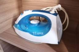 Ferro de Passar Roupa a Vapor Electrolux SteamLine - (com defeito)