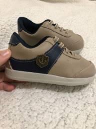 Combo sapatos( mocassim azul e tênis)