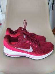 Tênis Nike Vomero 43