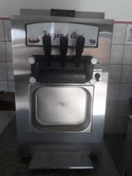 Maquina de açaí e frozen (seminova)