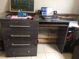 Mesa/escrivaninha/comoda para computador