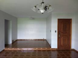 Aluguel - SQS 307 - 4 quartos, DCE, garagem.