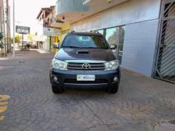Toyota Hilux SW4 SRV 4x4 - 2010