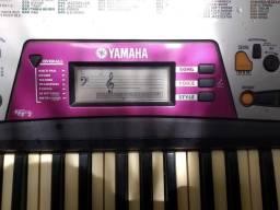 Teclado Yamaha com alto-falante Mix e funções