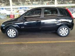Fiesta Hatch Completo 1.0 - 2009