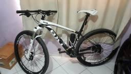 Bike mtb carbono bxt novíssima