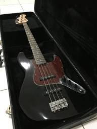 Baixo Squier Jazz Bass by Fender