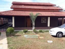 Casa na Jaiara com área de 1.200 m², área de lazer, Aceita permutas!