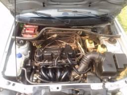 Escort Zetec Rocam ano 2001 completo com motor 1.6, 8 válvulas e abaixo da tabela - 2001