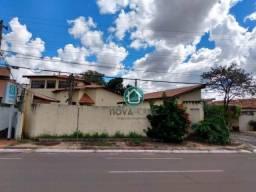 Título do anúncio: Casa com 4 dormitórios à venda, 258 m² por R$ 850.000,00 - Monte Carlo - Campo Grande/MS,