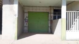 Vendo um sobrado com 2 lojas 2 kitinetes 1 casa de 2quartos em Iguaba Grande .