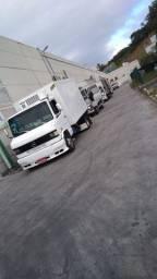 Caminhão MB 710 refrigerado
