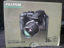 Máquina Fotográfica FujiFilm FinePix S 4300
