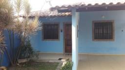 Alugo casa a 100m da praia de Cordeirinho Maricá