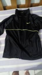 Vendo casaco da Nike r$ 25 tamanho 10 novo