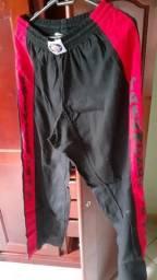 Vendo calça de taekwondo nova nunca foi usada top de linha tamanho grande