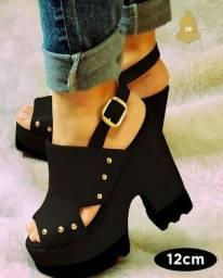 Sandália tratorada