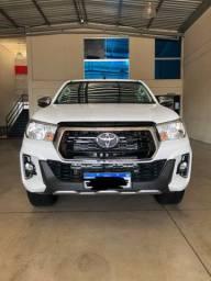Toyota Hilux SR NOVÍSSIMA