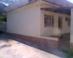 Maricá casa 2 qts 2 varandas vaga para 3 carros perto churrascaria maminha de ouro