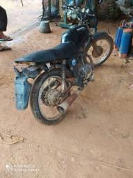 Vendo um moto pra roça
