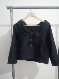 casaco de botões ombro a ombro
