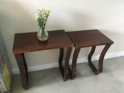 Conjunto de 2 mesinhas de madeira