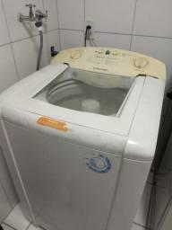 Máquina de lavar Electrolux 220v - usada