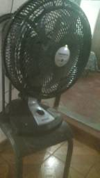 Vende se ventilador 8 hélice semi novo