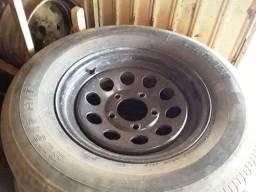 Vende-se rodas com pneu aro 16 5 furos