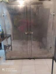 Mini Câmara e geladeira para açougue ou restaurante.