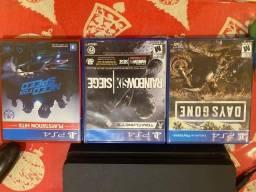 PS4 Slim 1TB + 1 Manete + 3 Jogos Físicos - Estado Impecável de Uso