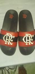 Vendo sandália do Flamengo unissex