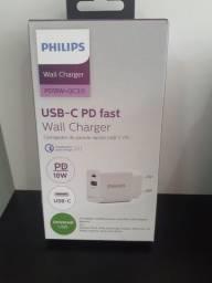 Fonte com saída do Type-c  e USB  18w de potência