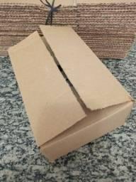 Caixas de papelão pequena.