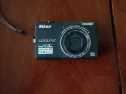 Máquina Fotográfica Nikon Coolpix S6200