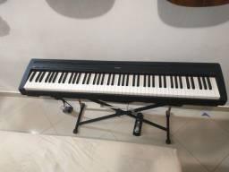 Piano digital Yamaha P-95