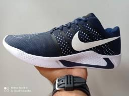 Tênis e calçados